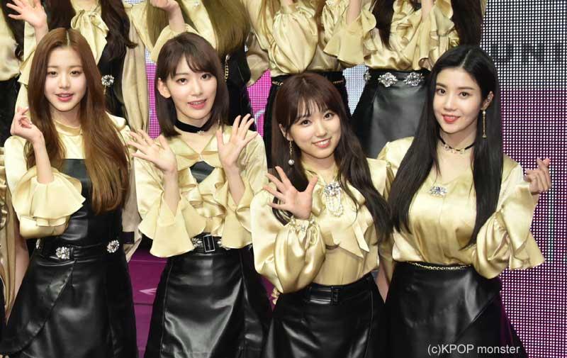 「IZ*ONE」(左から)チャン・ウォニョン、宮脇咲良、矢吹奈子、クォン・ウンビ