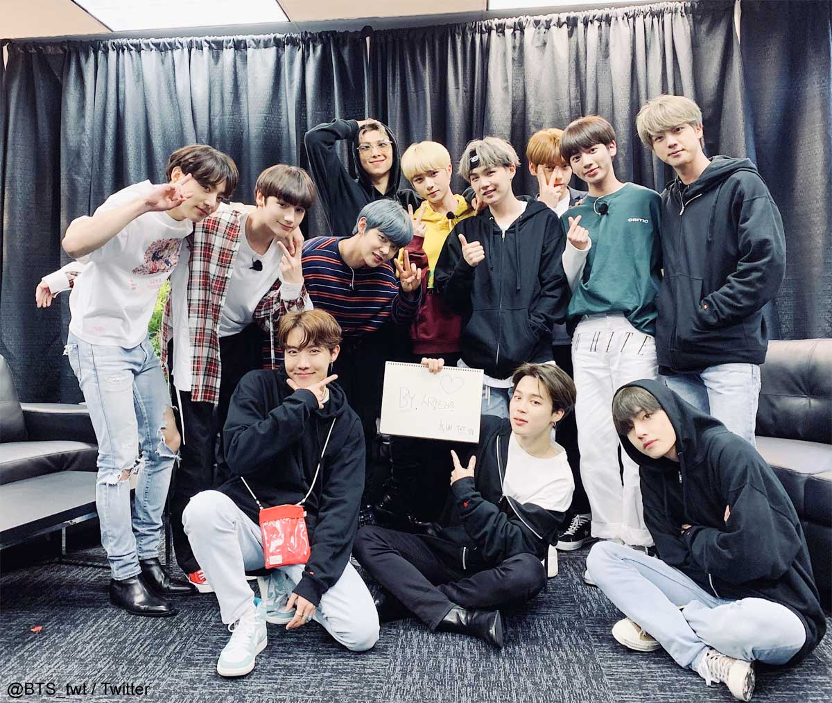 BTS(防弾少年団)&TXT(TOMORROW X TOGETHER)