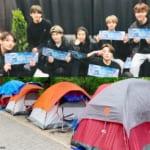 BTS(防弾少年団)、会場近くに張られたテント