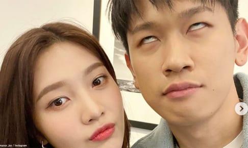 Red Velvet ジョイ(左)、クラッシュ(右)