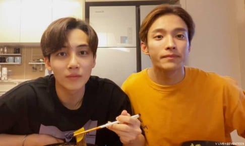 SEVENTEEN ジョンハン(左)、ドギョム(右)