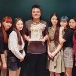 NiziU (左から)マコ、ミイヒ、マユカ、リオ、J.Y.Park、アヤカ、リク、リマ、マヤ、ニナ