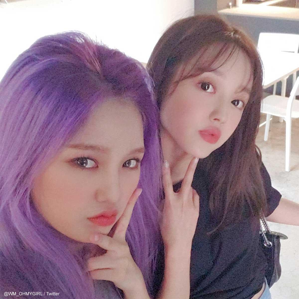 OH MY GIRL ミミ(左)、ユア(右)