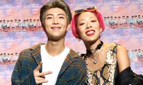BTS RM、リナ・サワヤマ(右)