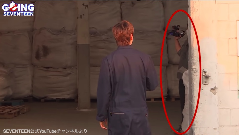 スングァンについていたカメラマンさん(と思われるスタッフ)