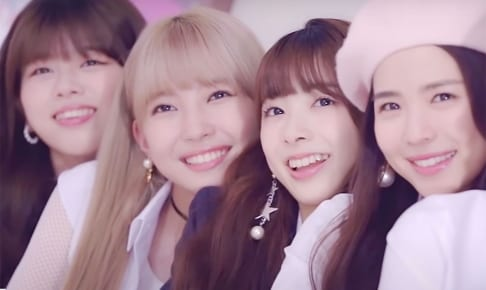NiziU(左から)リク、マユカ、ミイヒ、マヤ