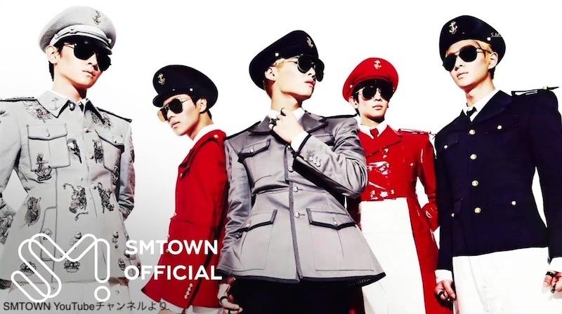 SHINee「EveryBody」 の衣装(左から2番目がテミン)