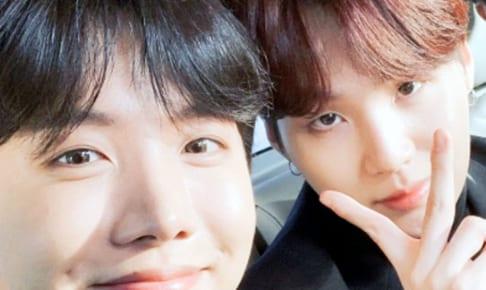 (左)BTS J-HOPE(右)シュガ