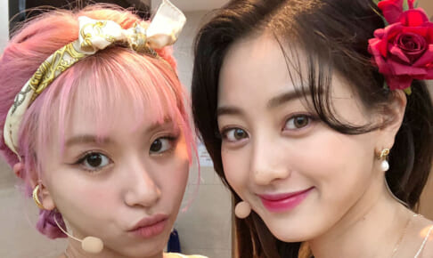 TWICE チェヨン(左)、ジヒョ(右)